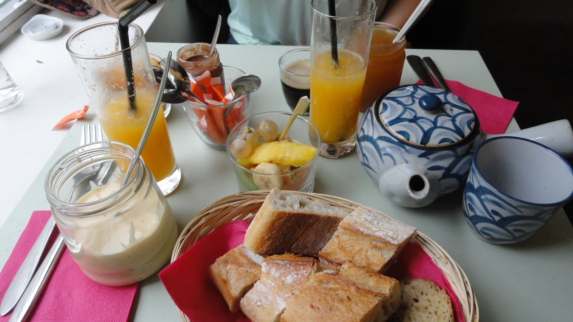Le Lapin Blanc - Table du Brunch complet