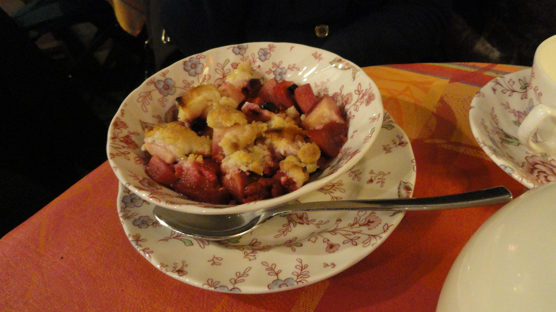 Brunch au Queen Ann - Crumble aux fruits rouges