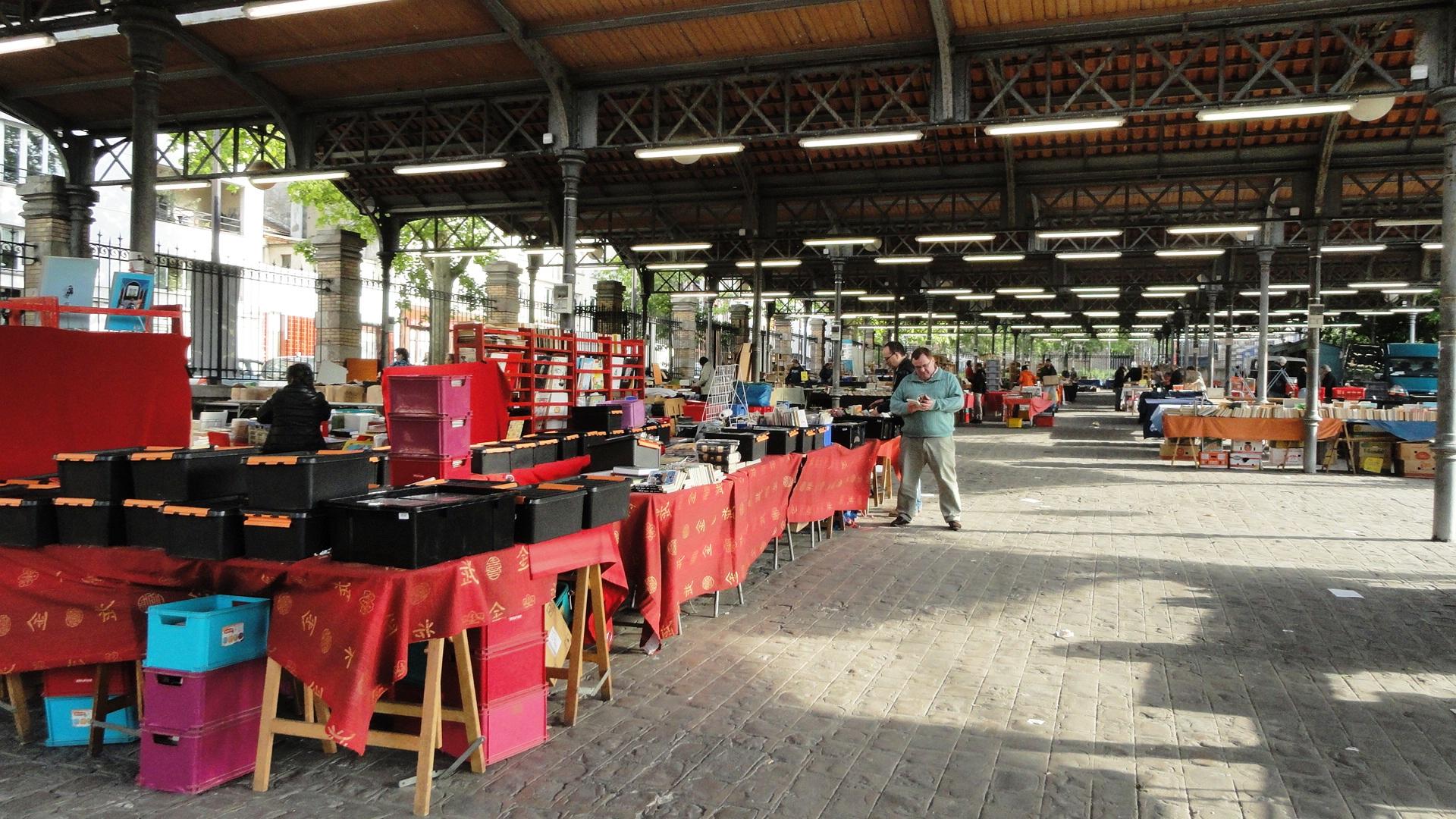 Parc Georges Brassens - Halle aux Chevaux - Bouquinistes