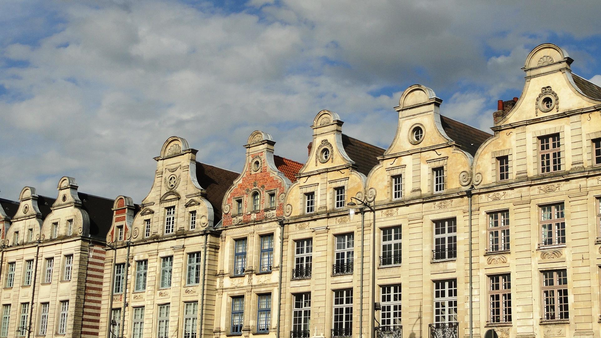 Arras - Place des Héros - Façades