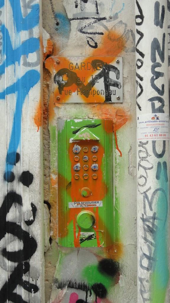 Rue Denoyez, Paris 20e - Le n°7, digicode