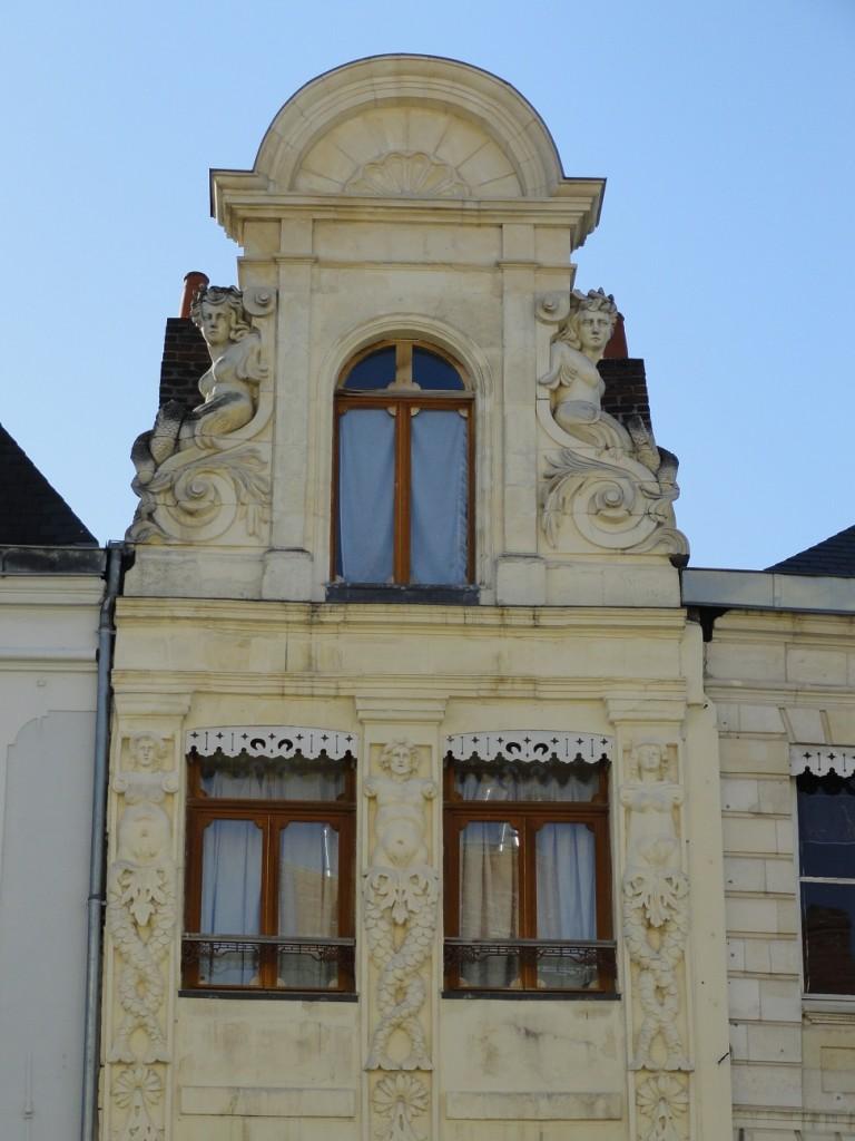 Arras - Place du Théâtre - La Maison aux Sirènes