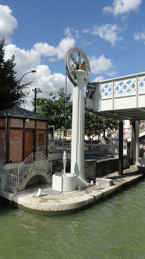 Canal de l'Ourcq, Paris - Pont de Crimée