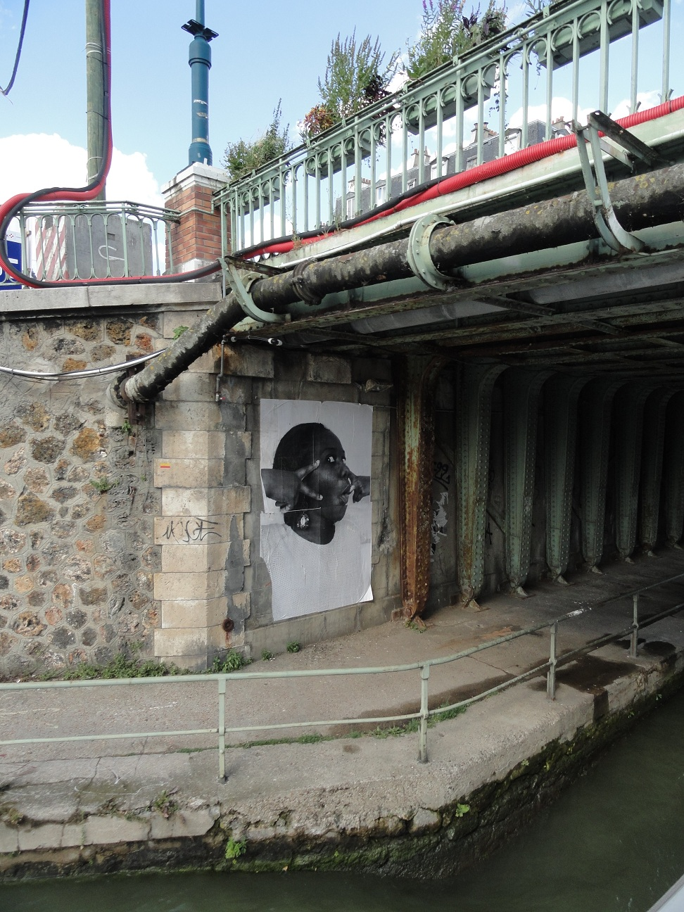 Projet Inside Out de JR le long du canal de l'Ourcq - Pantin