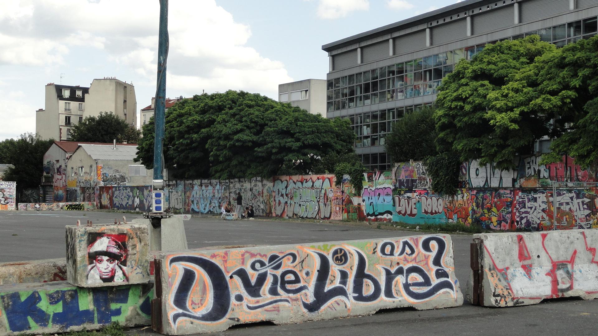 Street art autour du Bâtiment des Douanes, Pantin