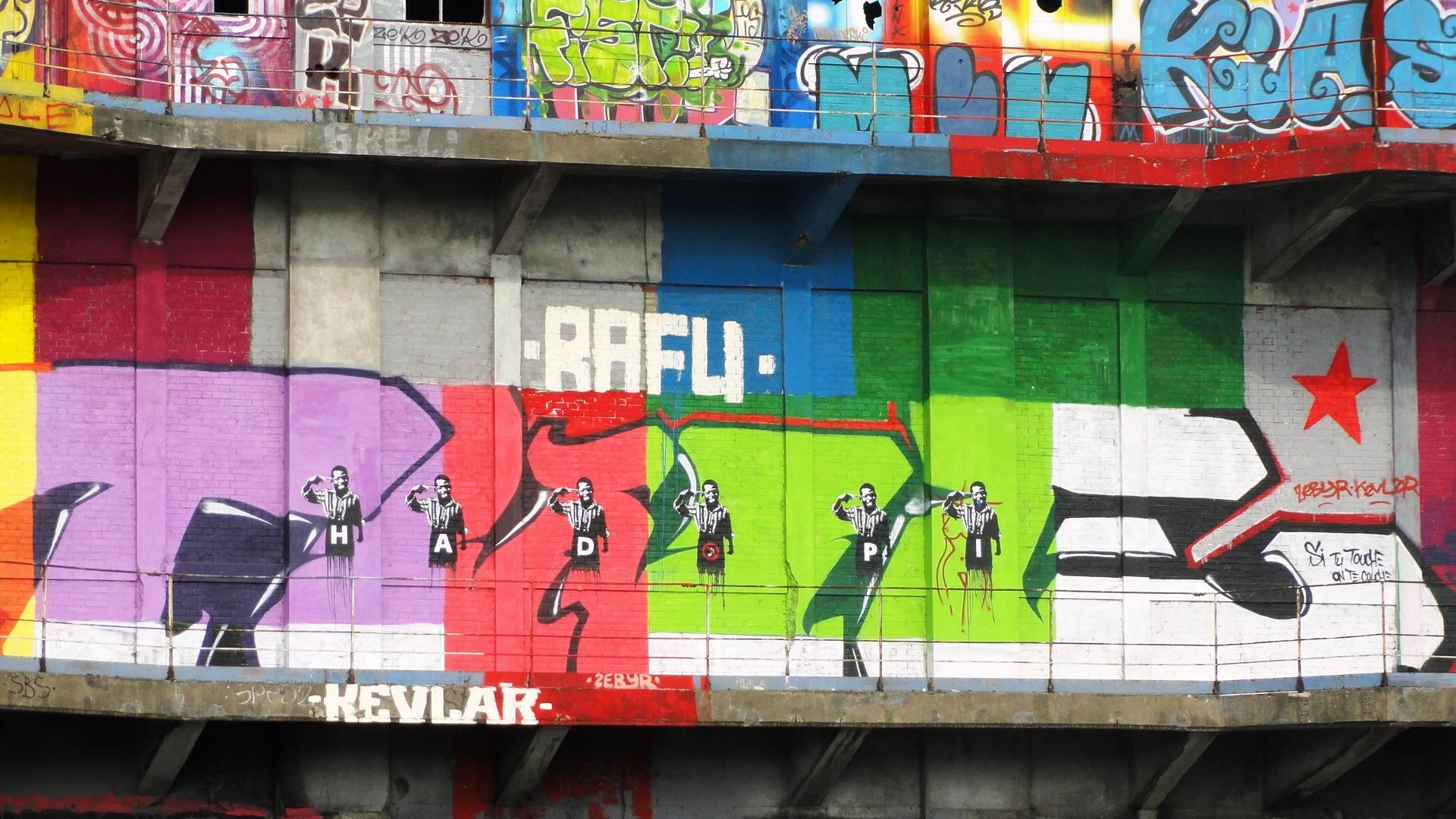Street art au Bâtiment des Douanes, Pantin