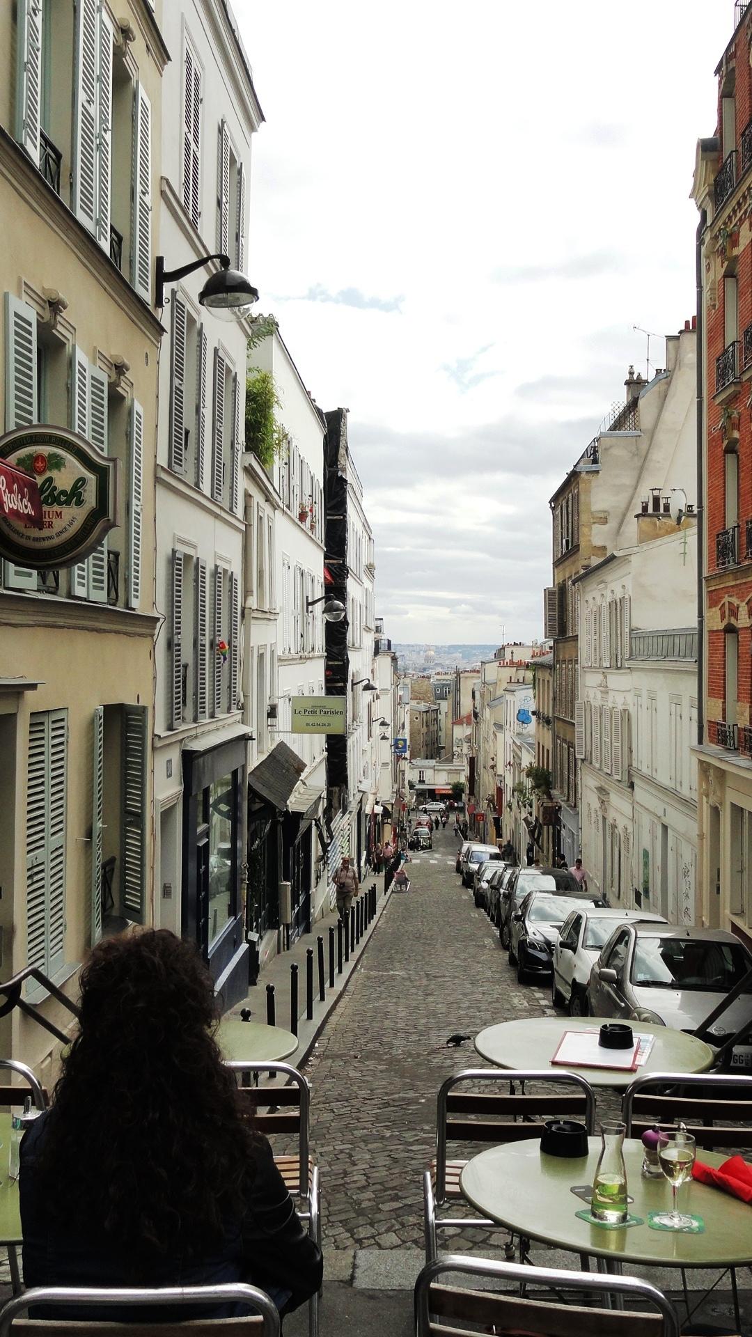 Terrasse de Café, Rue Tholozé