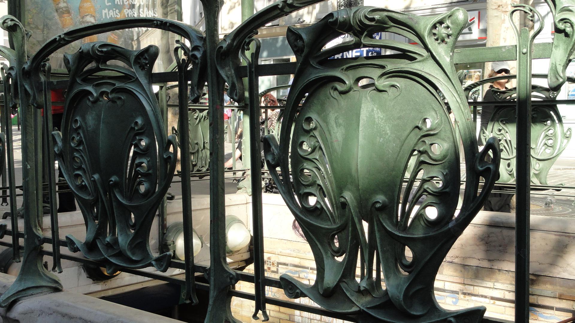 Promenade dans Montmartre et les Abbesses - Métro Abbesses