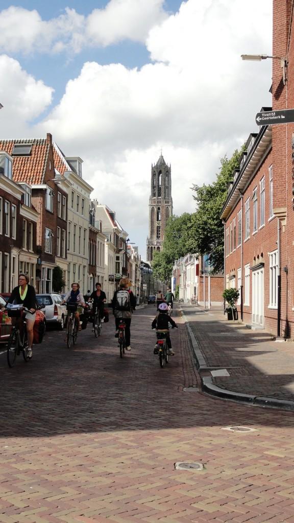 Utrecht - Lange Nieuwestraat - vue sur le Dom
