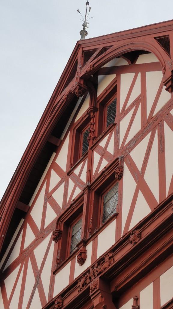 Dijon - Façade à colombages, rue Monge