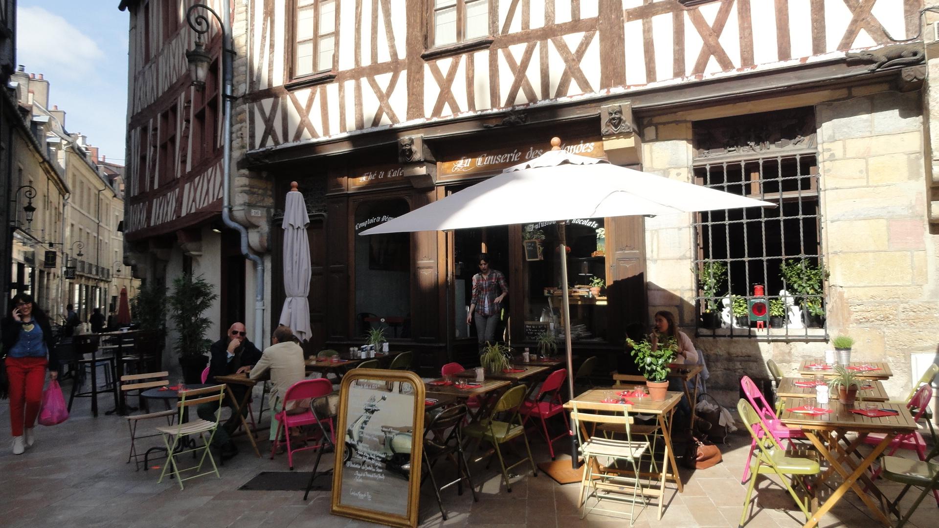 Dijon - La Causerie des Mondes