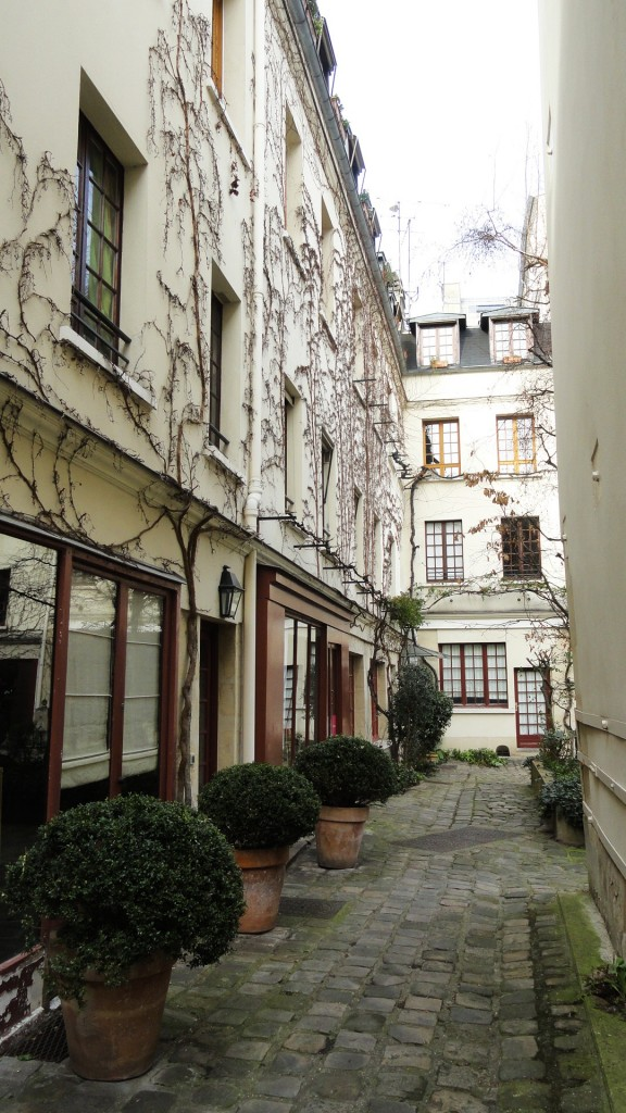 Cour du Bel Air, Paris 12e