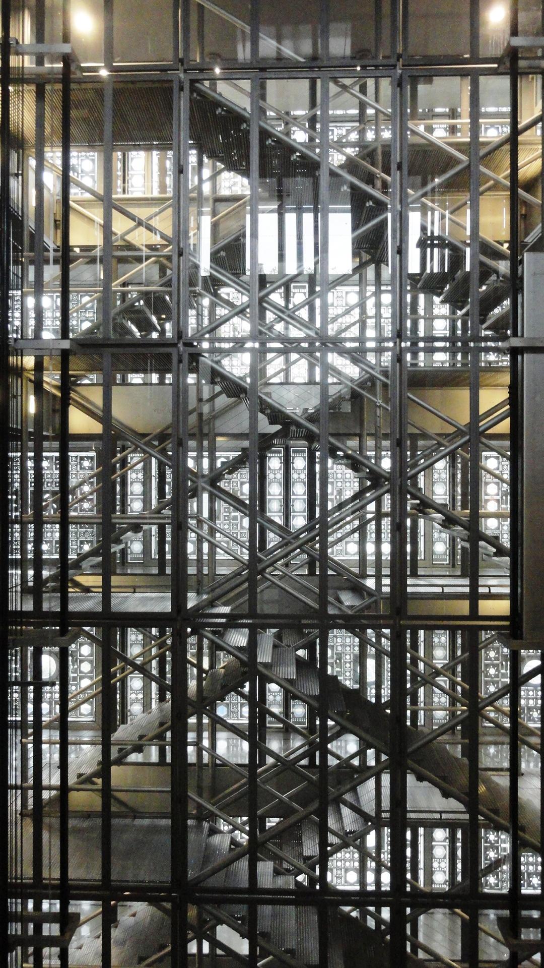 La cage d ascenseur de l hotel - 2 5
