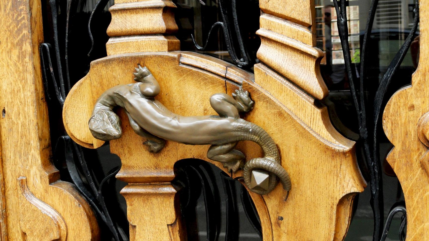 Rue de Grenelle, Paris 7e - Immeuble art Nouveau, Poignée