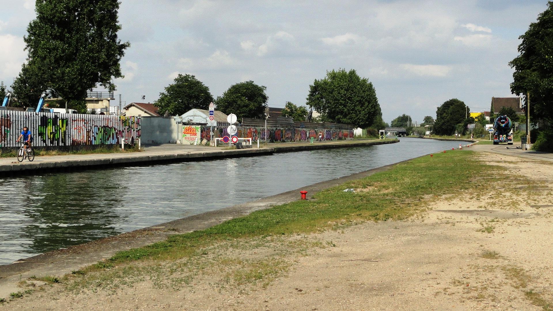 Canal de l'Ourcq - Chemin de halage - Bobigny
