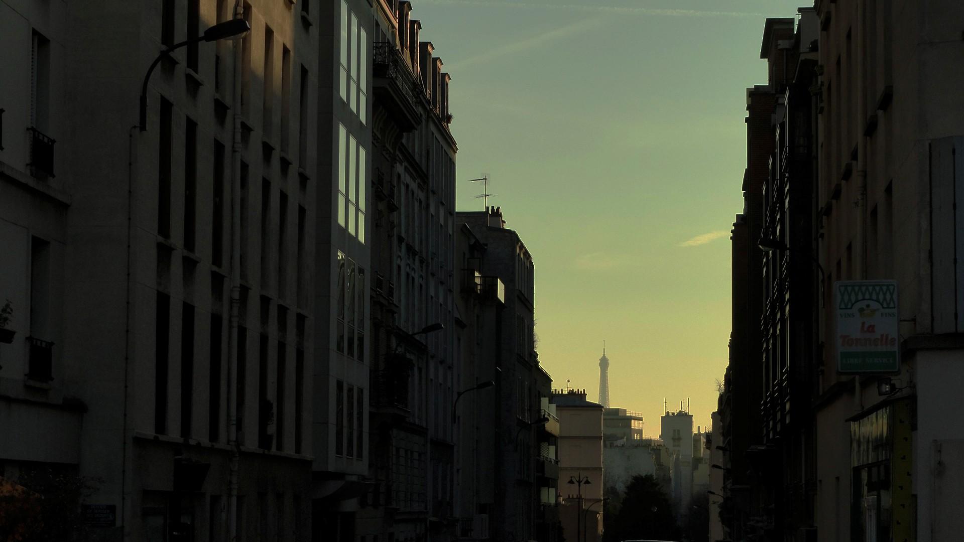 Balade le long de la Petite Ceinture (17e et 18e) - Rue des Epinettes, Tour Eiffel