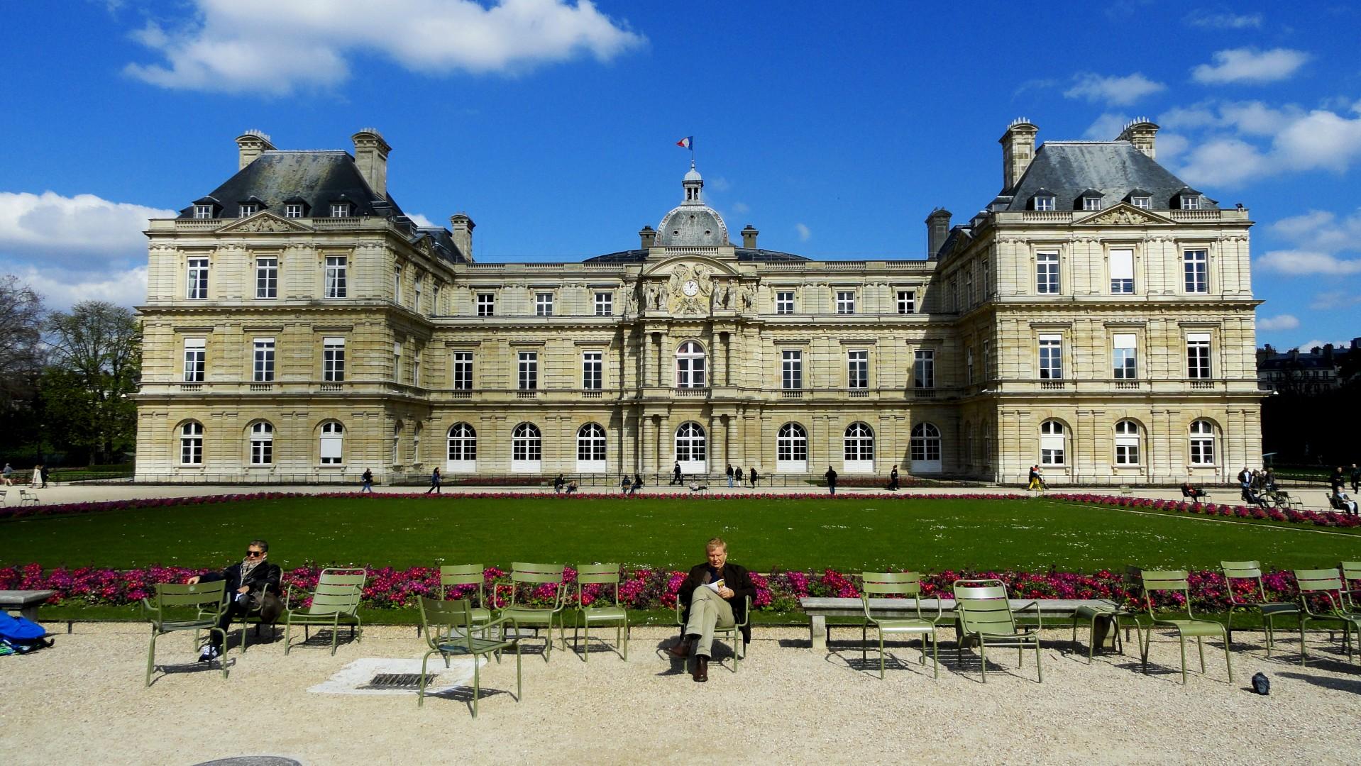 Le printemps au jardin du luxembourg un petit pois sur for Au jardin du port le palais