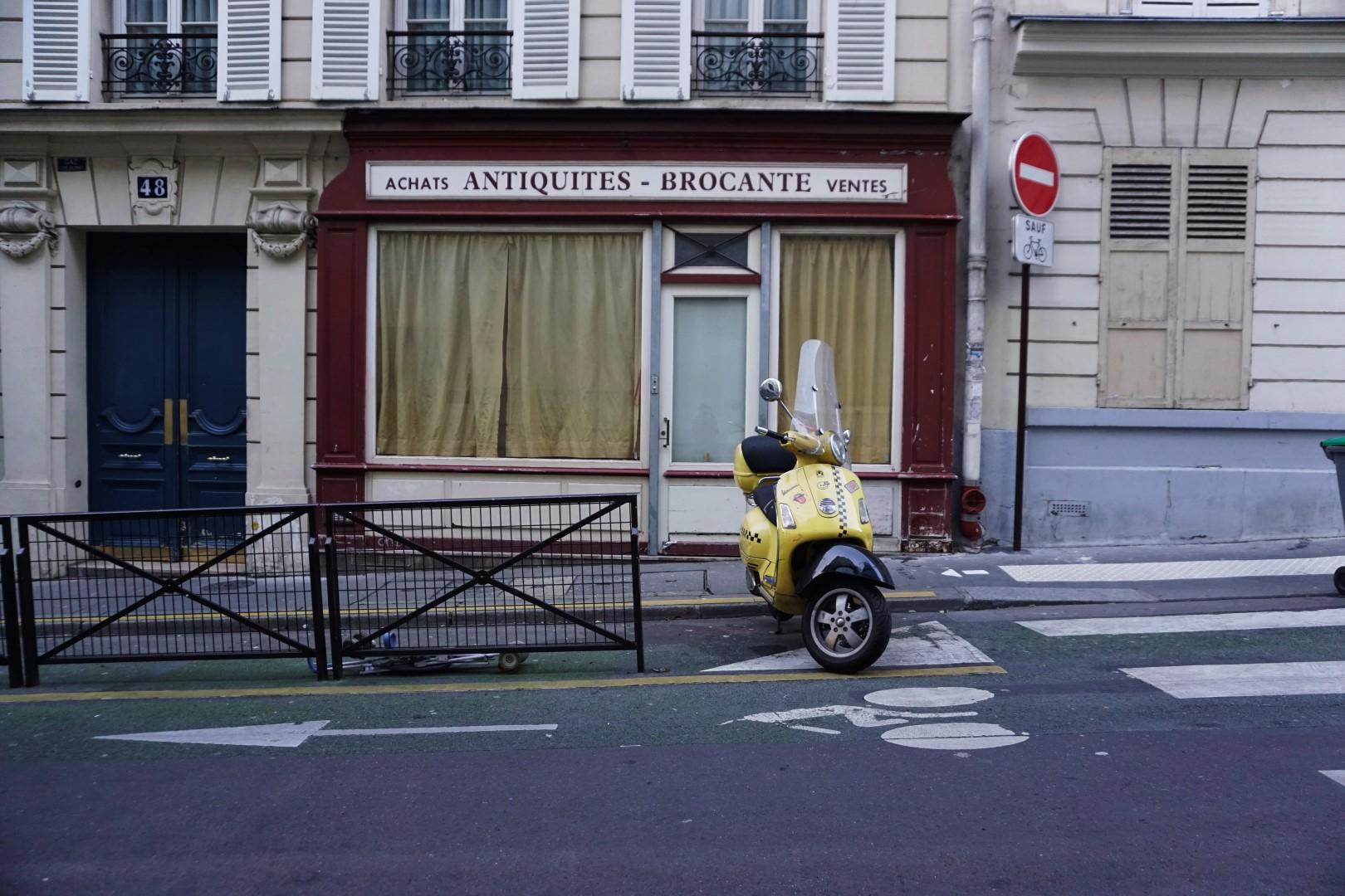 Rue des Martyrs - Balade dans les 9e et 10e arrondissements de Paris - De place de la République à Pigalle
