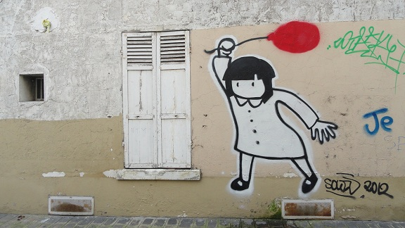 Street art à Saint Ouen - La petite fille au ballon rouge
