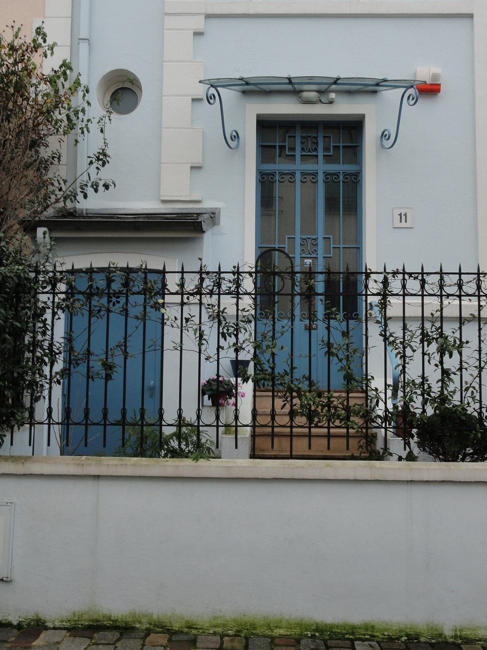 Rue Dieulafoy - Porte d'entrée