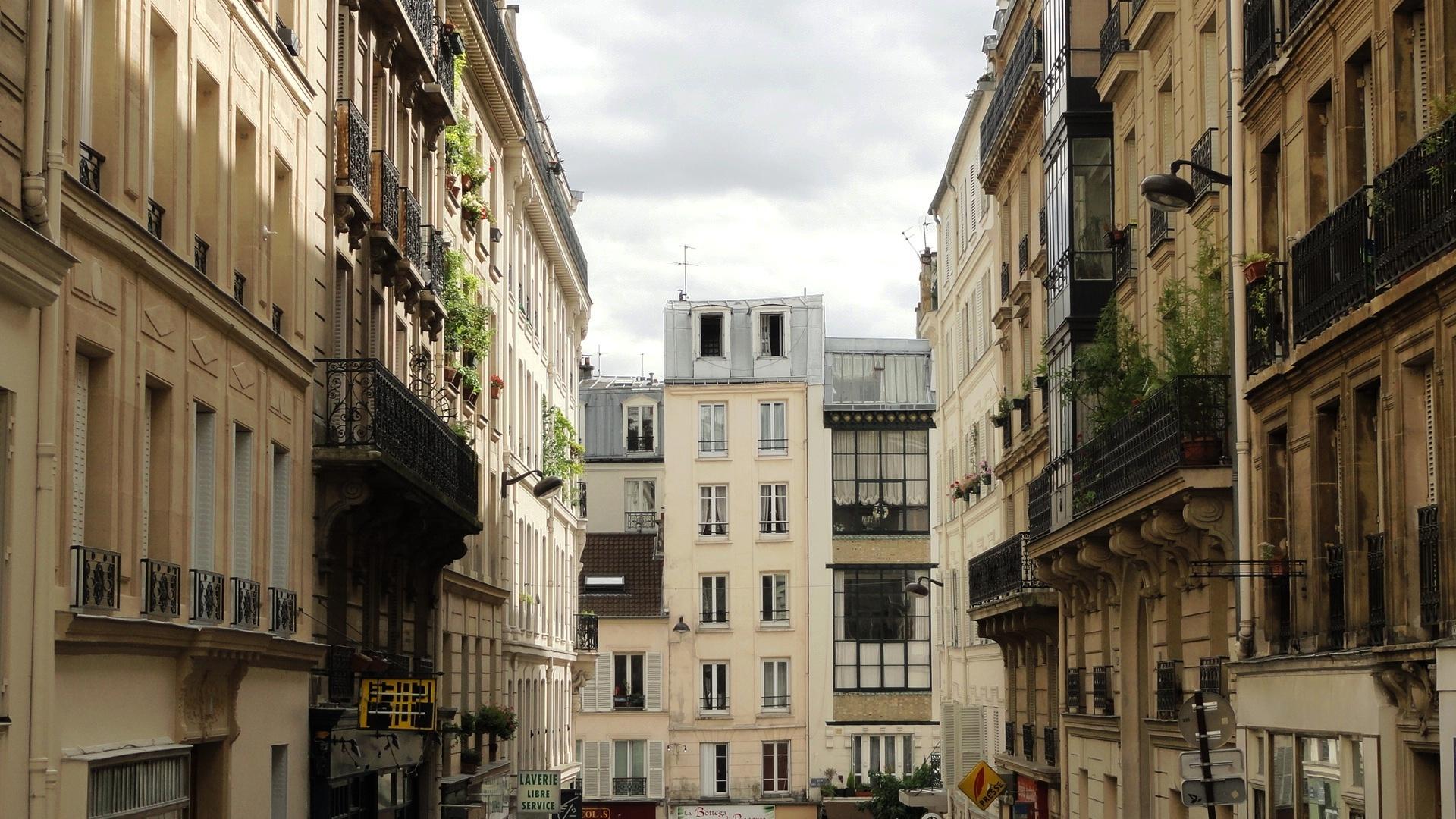 Balade dans Montmartre et les Abbesses  - Rue Burq