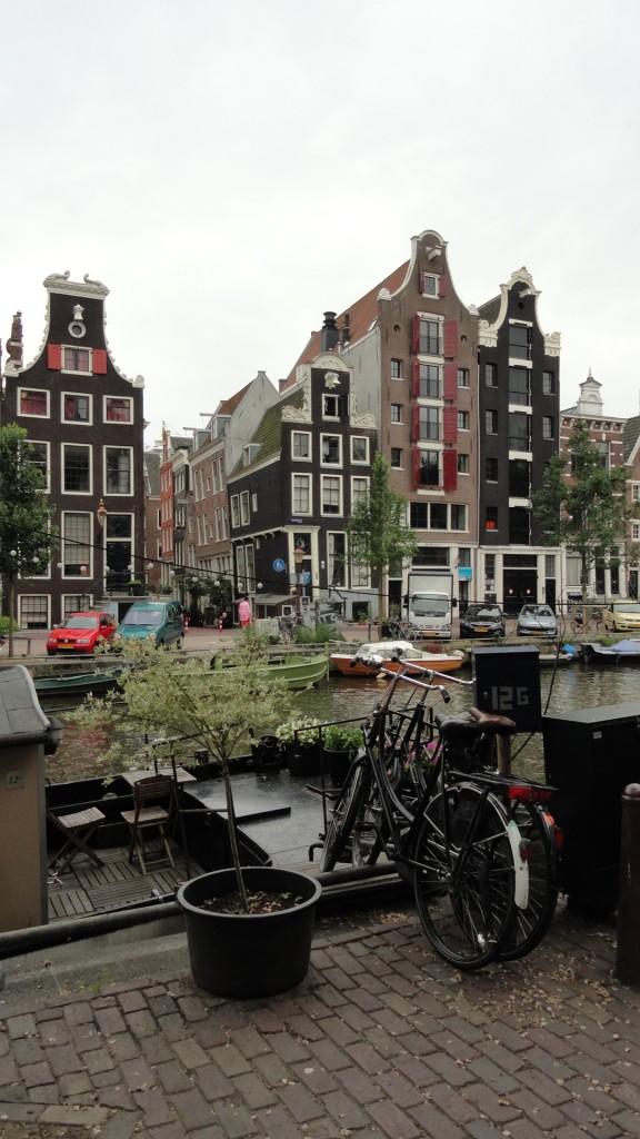 Amsterdam - Maisons, Canaux et vélos
