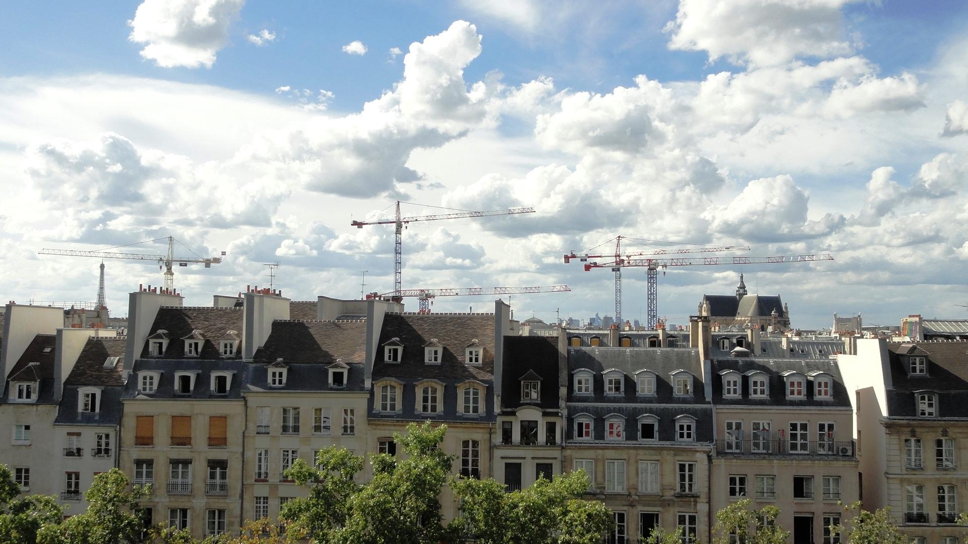 Centre Pompidou - Vue depuis la terrasse du 2eme - Toits et grues
