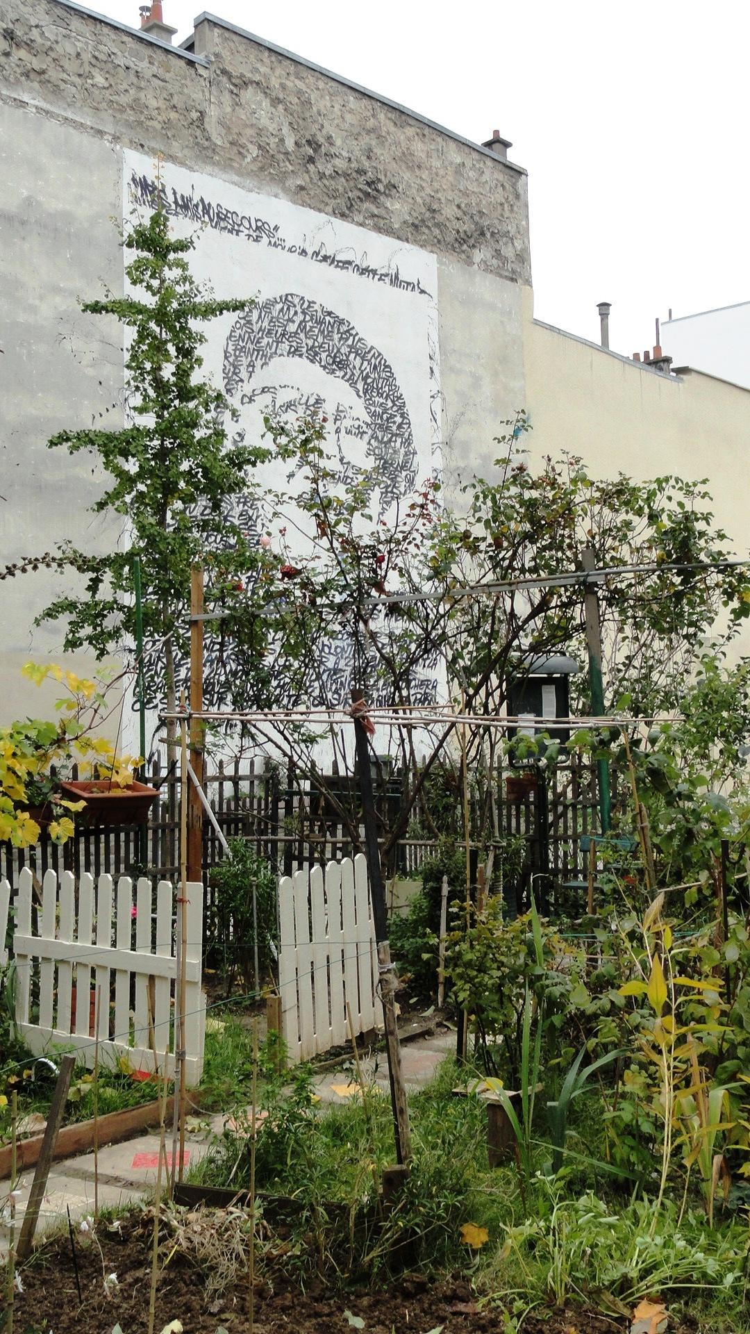 Square des deux Nèthes, Paris 18e - Jardin Partagé et fresque de JonOne / Abbé Pierre