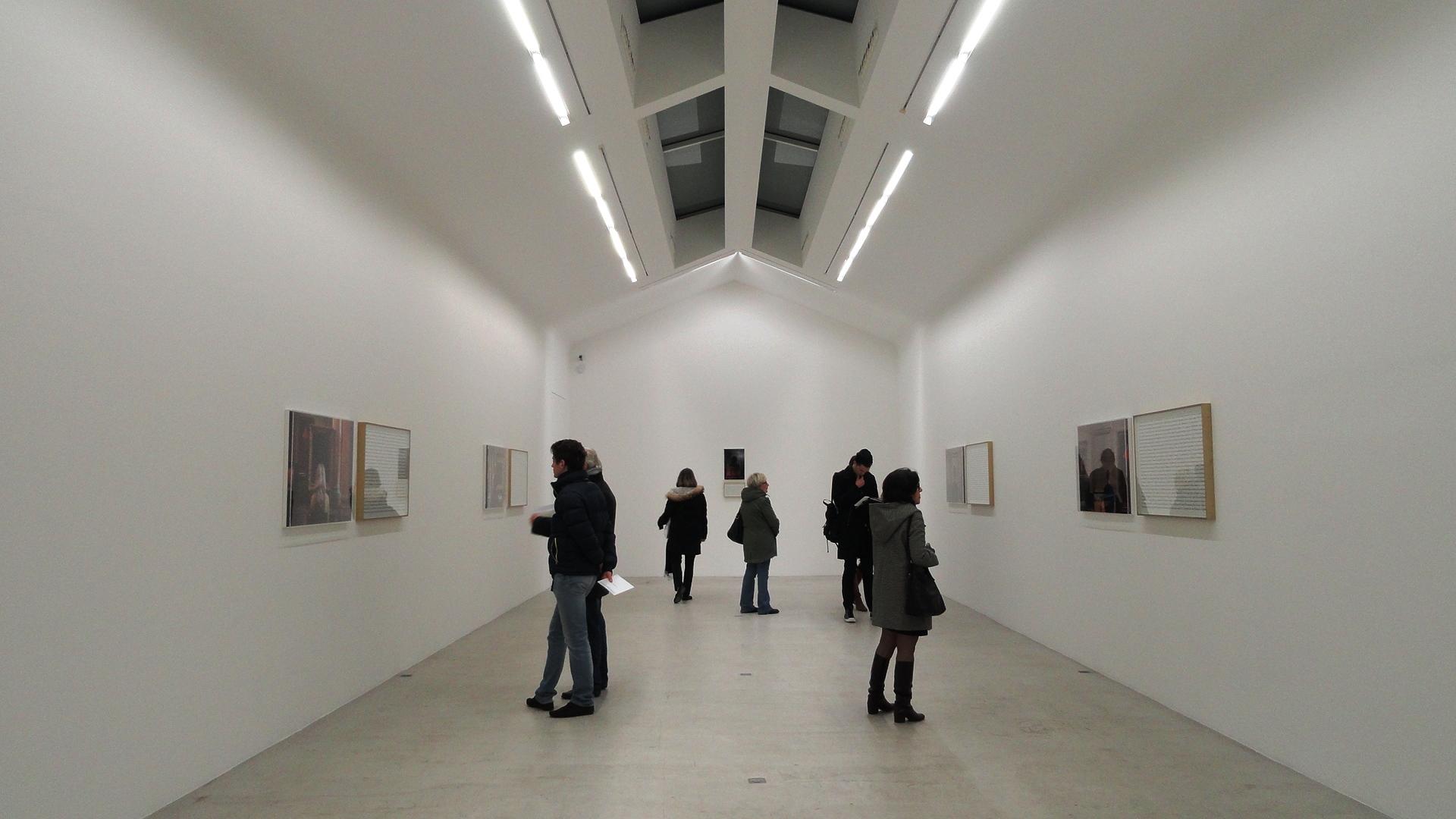 """Galerie Perrotin - Sophie Calle, Dérobés - """"Que voyez vous?"""""""