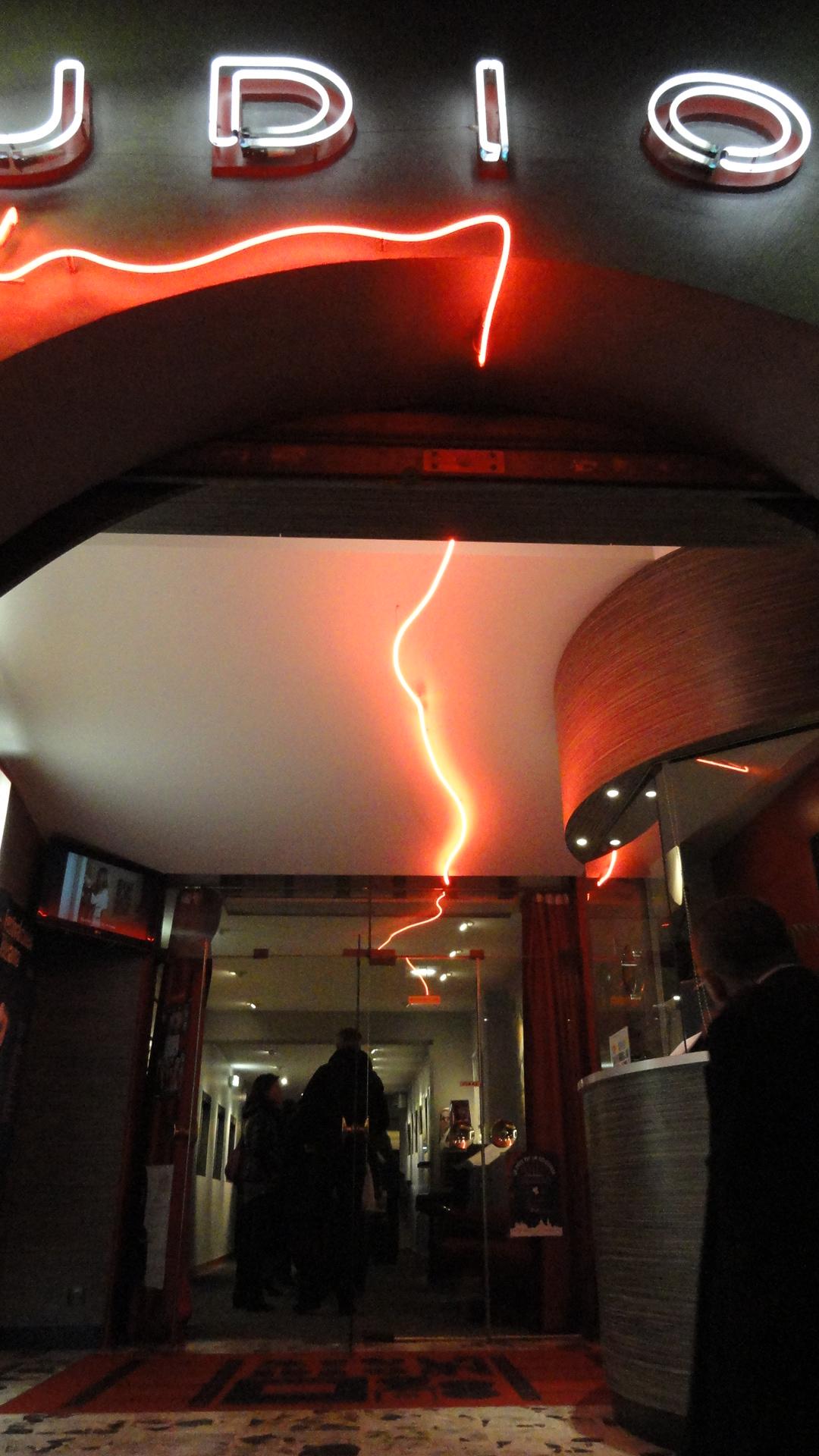 Studio 28- Devanture - Le fil rouge