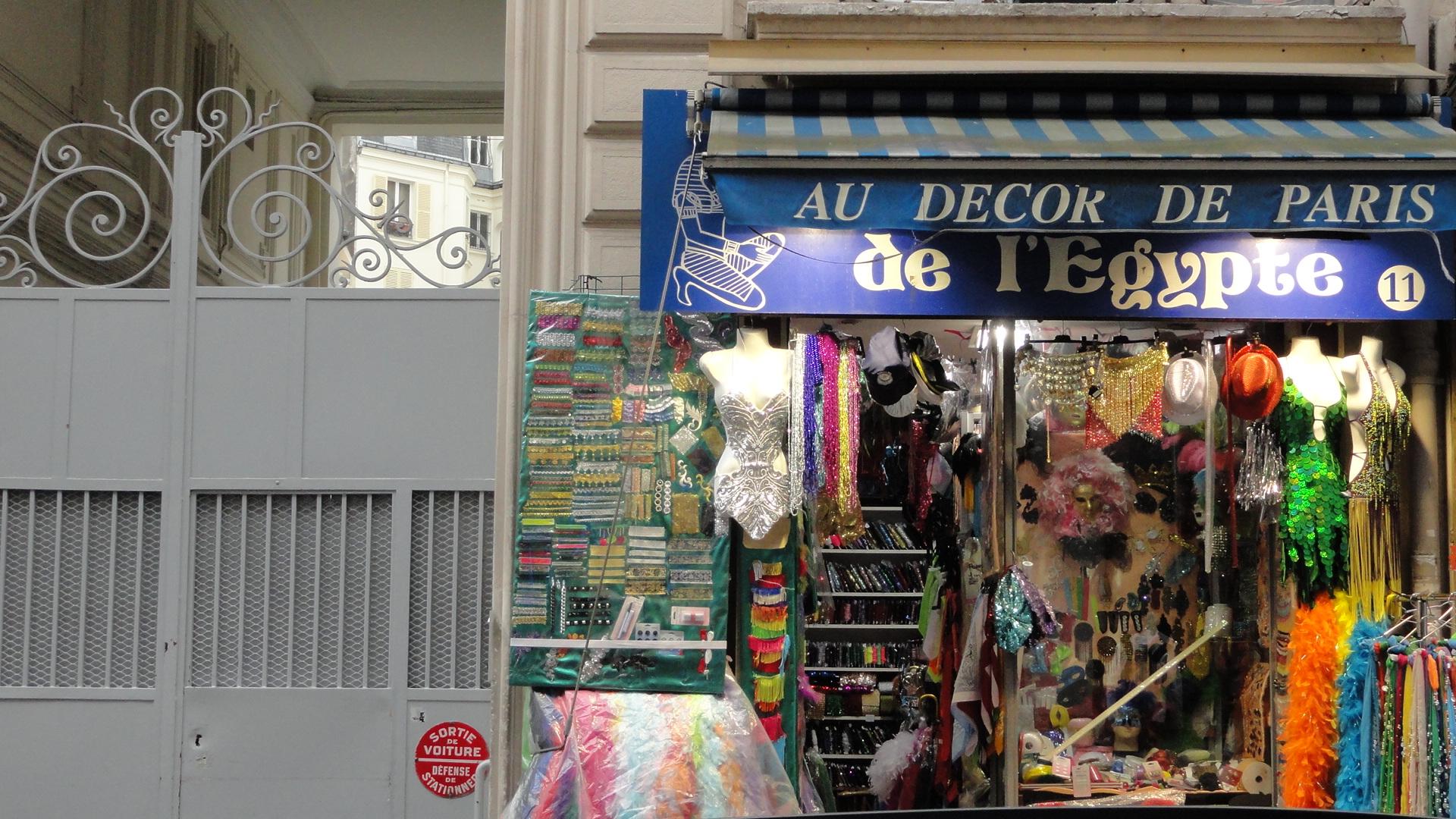 Marché Saint Pierre, Paris 18e - Boutique
