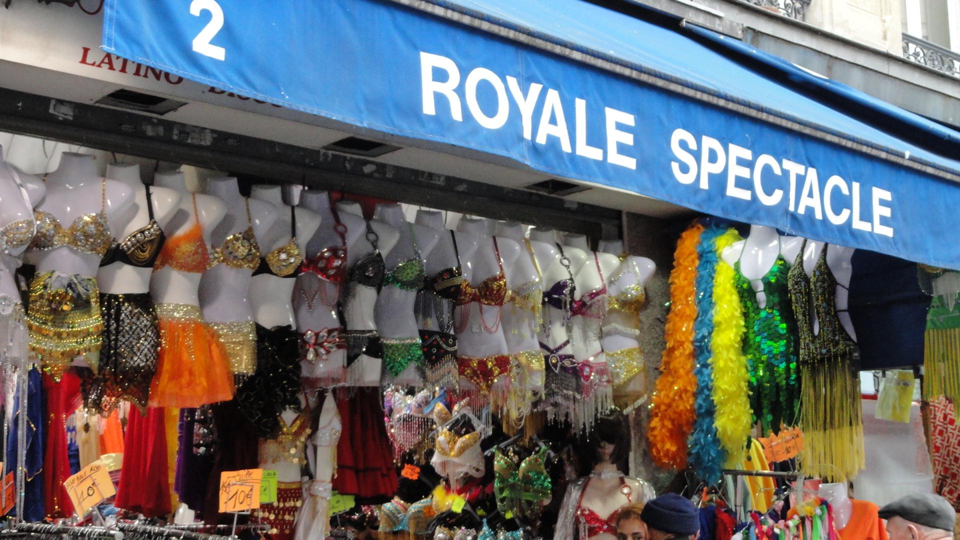 Marché Saint Pierre, Paris 18e - Royal Spectacle