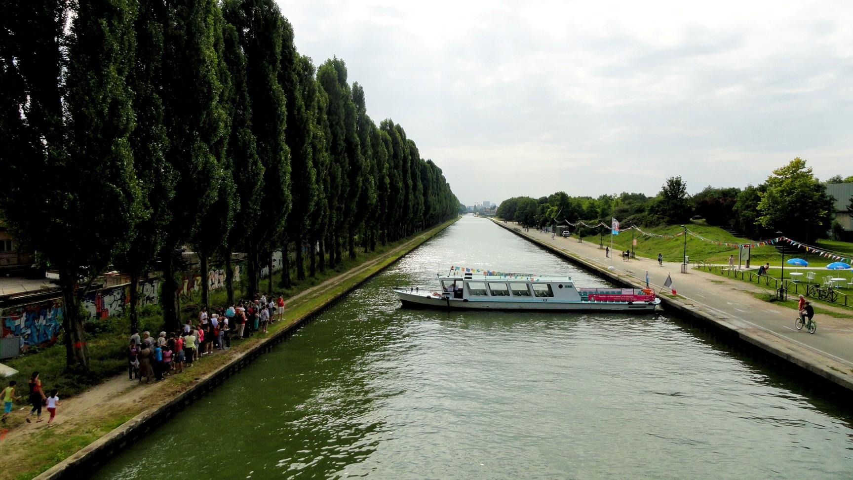 Canal de l'Ourcq - Depuis la passerelle de Bobigny