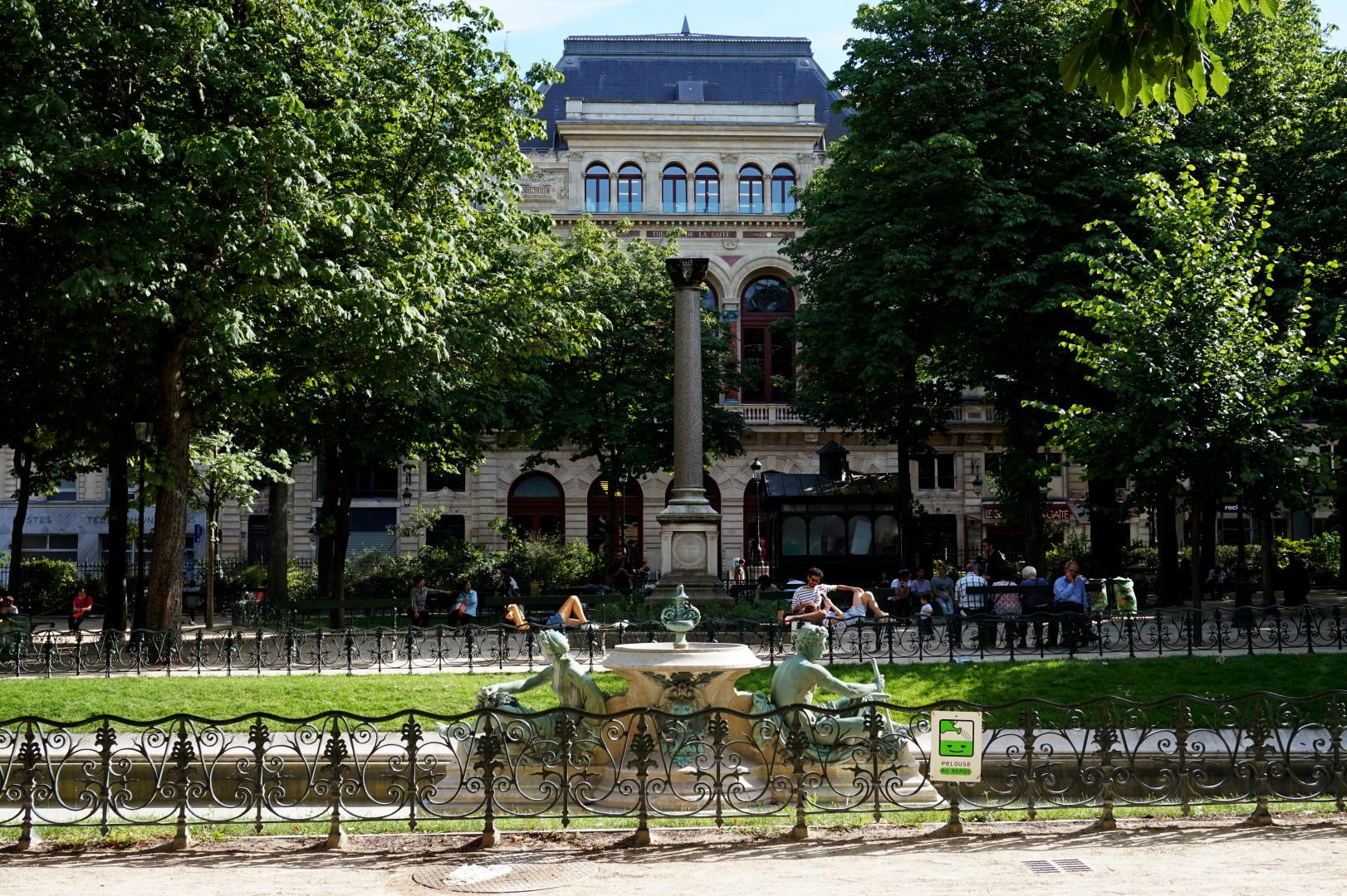 Balade dans le quartier Arts et Métier (3e) - Square E. Chautemps