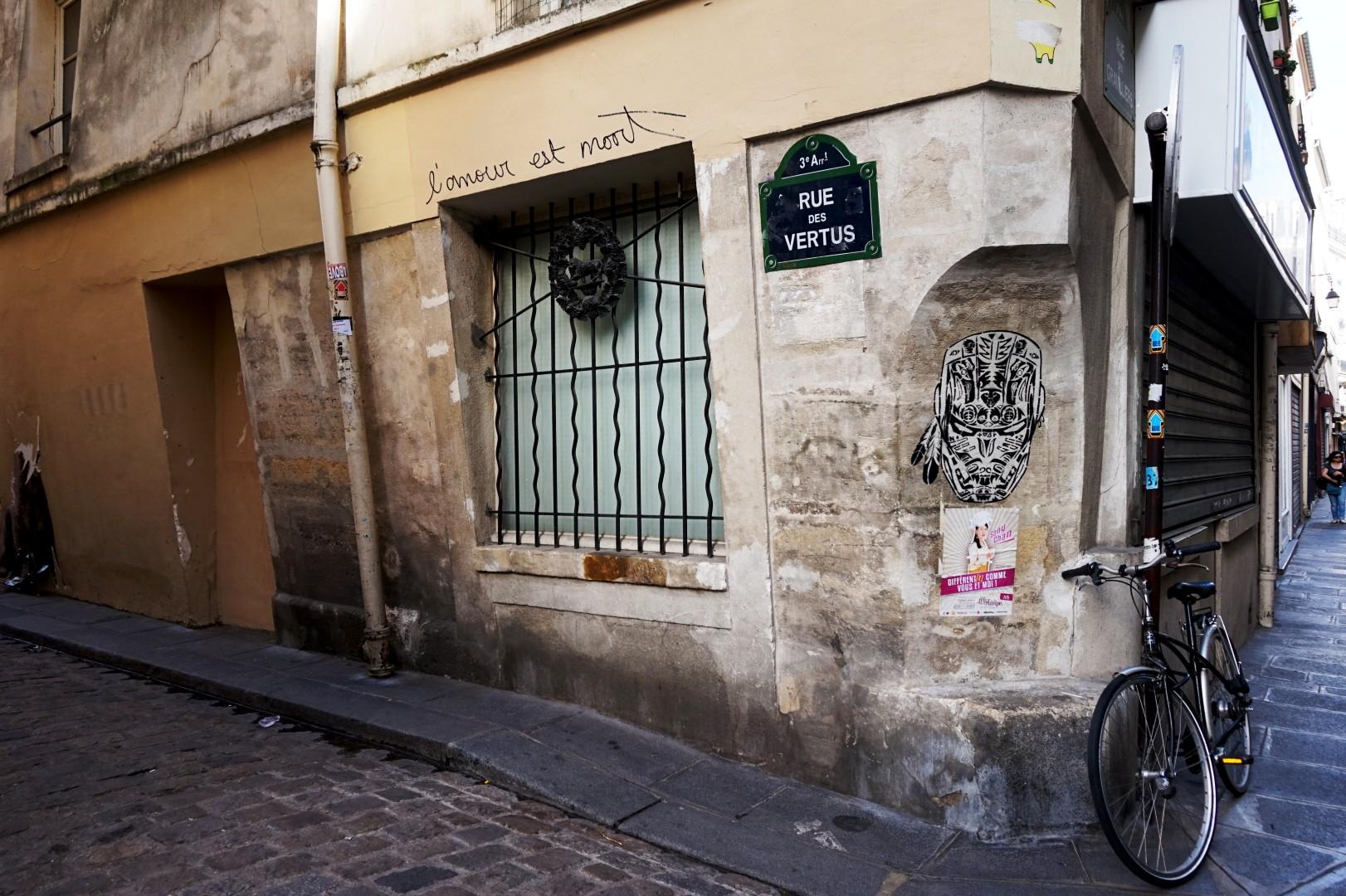 Balade dans le quartier Arts et Métier (3e) - rue des Vertus
