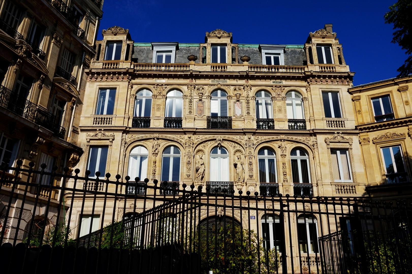 Balade dans le 9e - De Pigalle à Cadet - Place Saint Georges