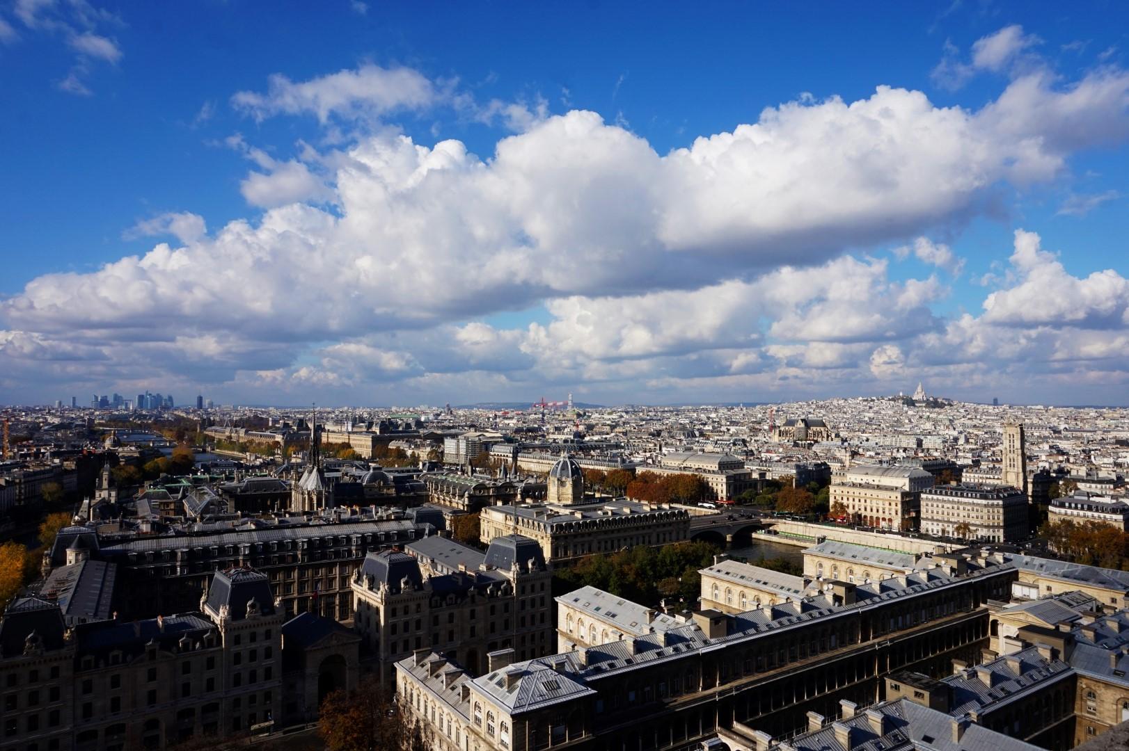 En haut des Tours de Notre Dame de Paris