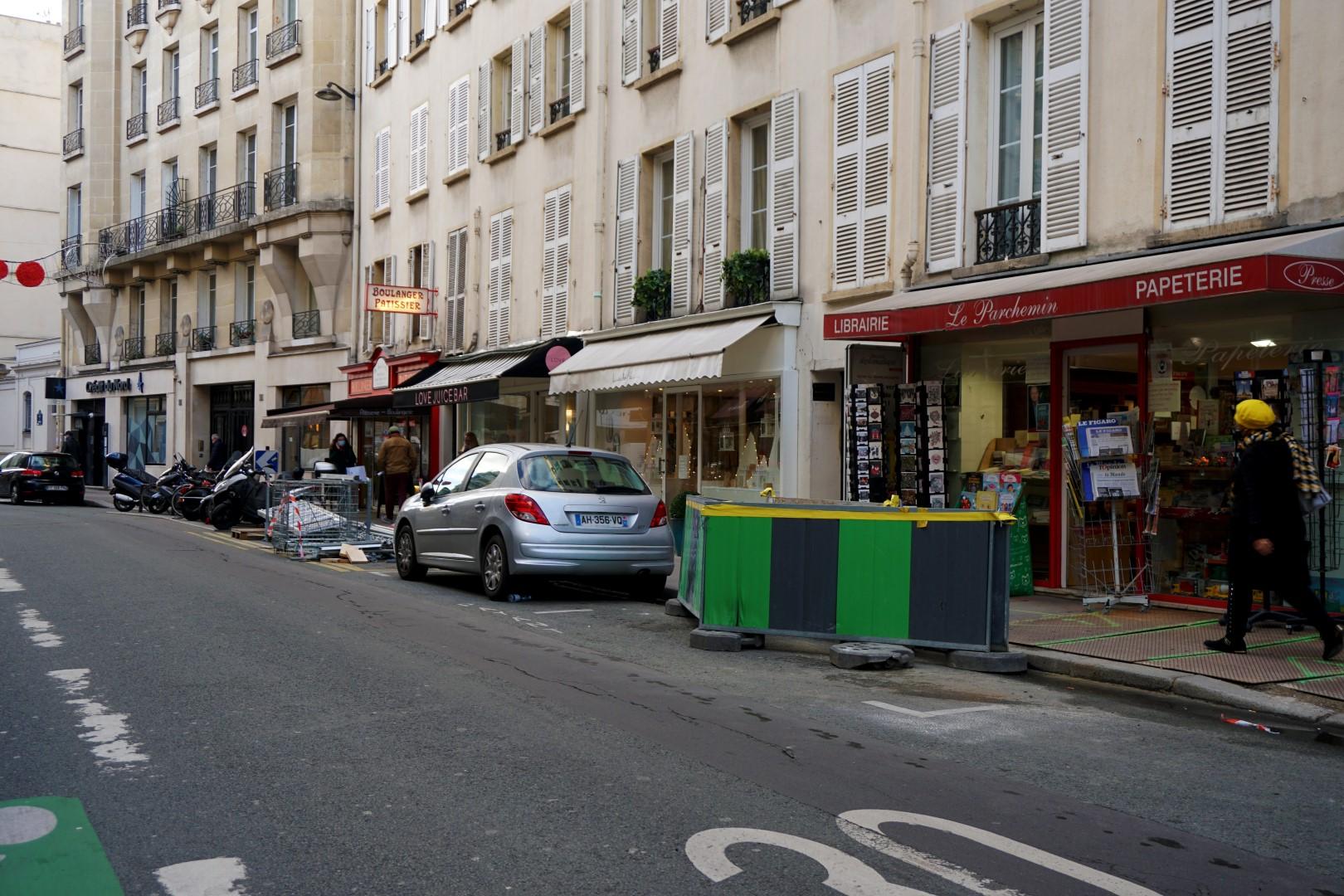Balade dans le 7e arrondissement de Paris | de Saint Germain des Près au quartier du Gros Caillou - Rue de Grenelle